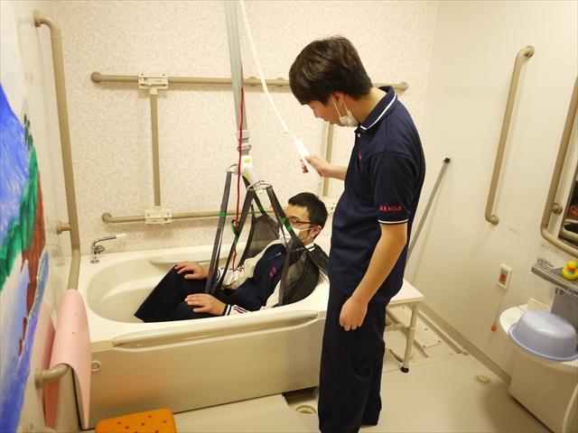 個浴槽用リフト